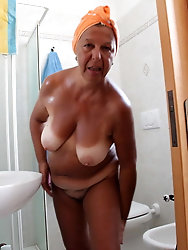 Busty old grandmothers are fingering themselves