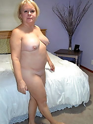 Mature Granny at Home Full Naked -1