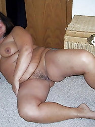 Voluptuous aged bitches are getting naked on picture