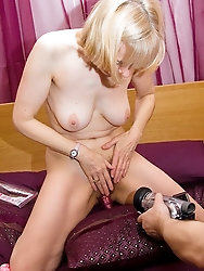 Hazel / Vivien Goodman / british mother on Merseyside Mom-I-would-Like-to-Fuck