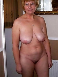 Juicy experienced milf is posing nude for money
